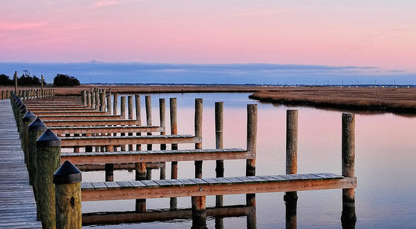 eastern-shore-on-the-docks-lara-ellis
